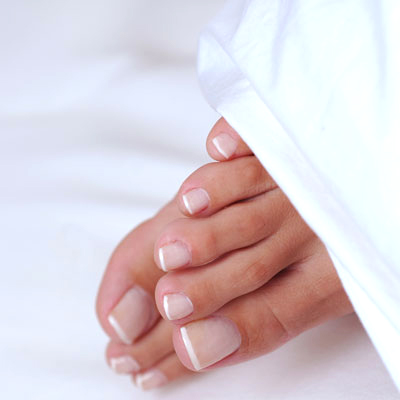 pedicure-tools-beautiful-bare-feet